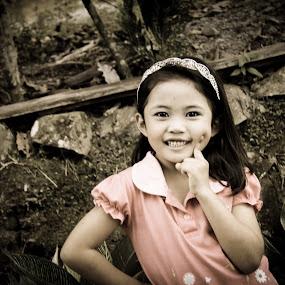 si adek by Matt da Greatz - Babies & Children Child Portraits ( malaysia, bukit, tawau, taman, sabah )