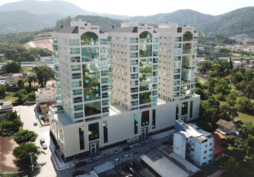 Apartamento com 3 dormitórios à venda, 140 m² por R$ 950.000,00 - Centro - Itapema/SC