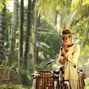 rest for smoke by Khairur Rijal Pauzi - People Portraits of Men ( lanscape, people, human )