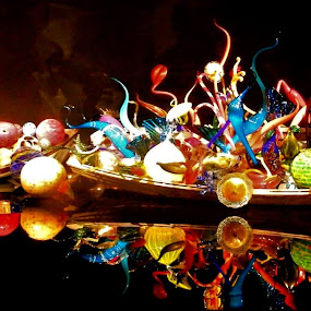 Bauble Boat by Rebecca Pollard - Artistic Objects Glass (  )