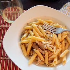 Cheesy Chicken Garlic Penne