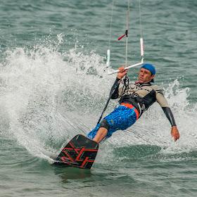 kite surfer 2.jpg