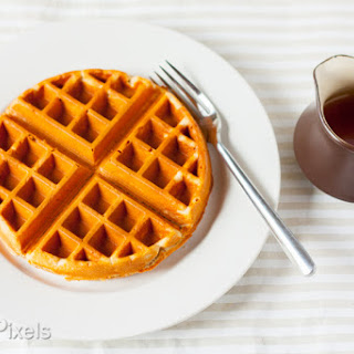 Maple and Peanut Butter Oatmeal Waffles (Gluten-Free)