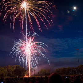 Fireworks at the Park by Scott Stolsenberg - Public Holidays July 4th ( independence day, yellow springs, 4th july, fireworks, holiday, guant park )