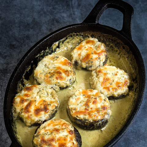 Stuffed Mushrooms In Creamy Pesto Sauce