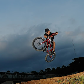 BMX freestyle by Dino Dion - Sports & Fitness Cycling