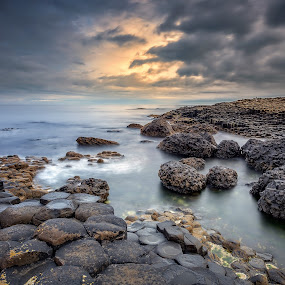 Giant's Causeway by Ryszard Lomnicki - Landscapes Cloud Formations ( clouds, ireland, sunset, long exposure, northern ireland, sunrise, giant's causeway, giants causeway, longexposure,  )