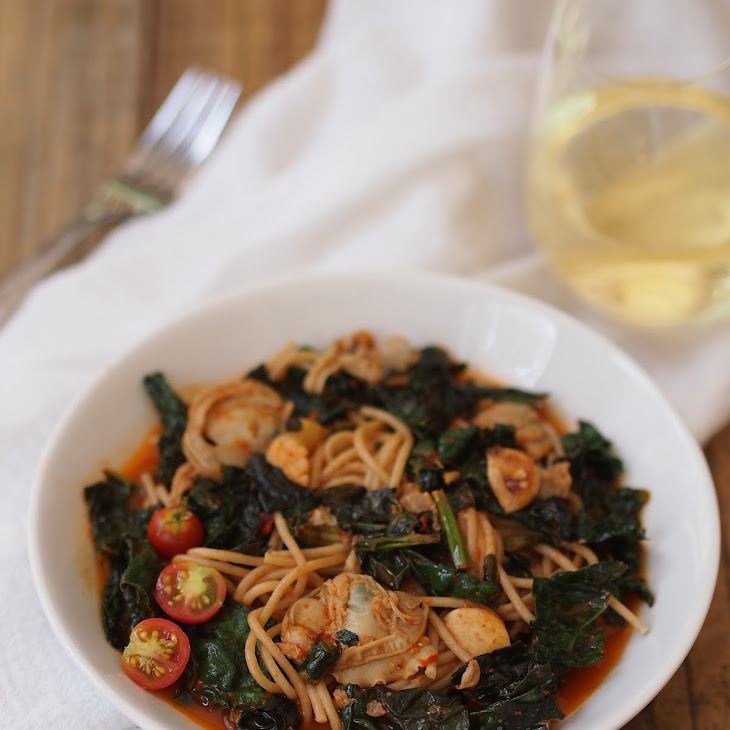 Spaghetti with Clam Sauce and Braised Kale Recipe | Yummly