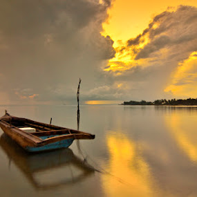 The Golden boat by Irwansyah St - Transportation Boats
