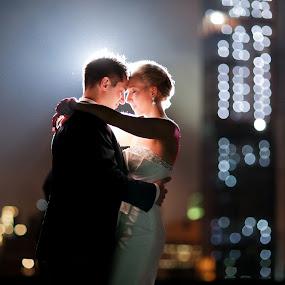 City LIghts by Drew Noel - Wedding Bride & Groom ( drew noel photography )