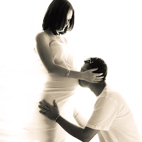 Maternity by Chelsea Vermaak - People Couples ( maternity, lovers, white, pregnant, baby )