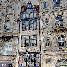 Ye Olde Cock Tavern, in London~ by Karen McKenzie McAdoo - Buildings & Architecture Public & Historical