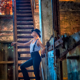 Gwyn at the ice house pt. 2 by David Hardy - People Portraits of Women ( cool, old, oklahoma, durant, dave's lifestyle photography, pretty, hat, david hardy, stairway, off camera flash, woman, pretty girl, abandoned )
