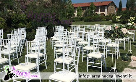 sedie bianche rito matrimonio