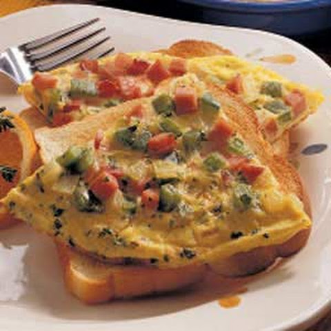 Western Omelet Breakfast Sandwich With Ham, Peppers & Salsa Recipe ...