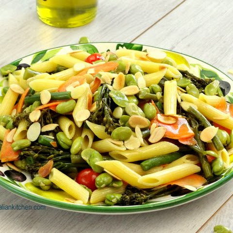 Light Vegetable Pasta with toasted almonds