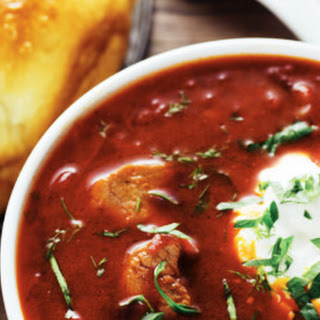 Ukrainian Borscht with Garlic Buns