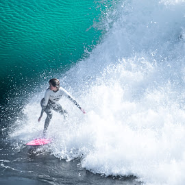 by Kelley Hurwitz Ahr - Sports & Fitness Surfing