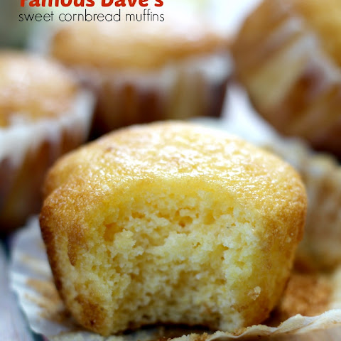 Copycat Famous Dave's Sweet Cornbread Muffins