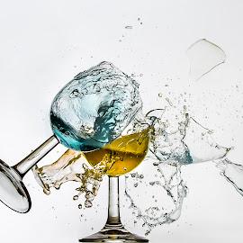 Eddy Maerten by Eddy Maerten - Artistic Objects Glass ( broken, blue, yellow )