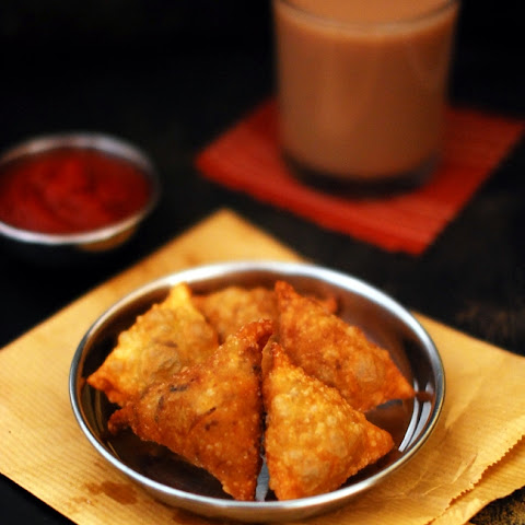 Kerala Chicken Samosa