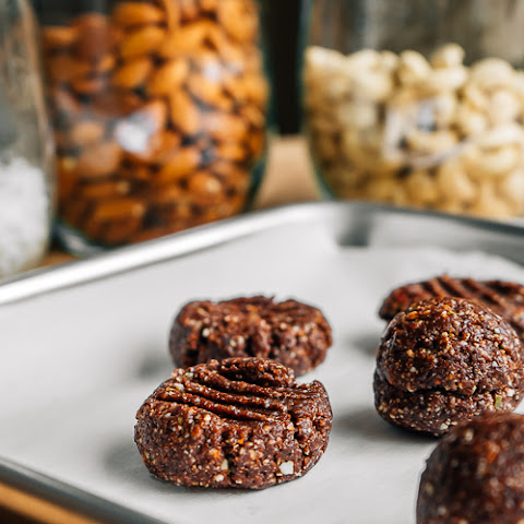 RAW CHOCOLATE TRAIL MIX COOKIES
