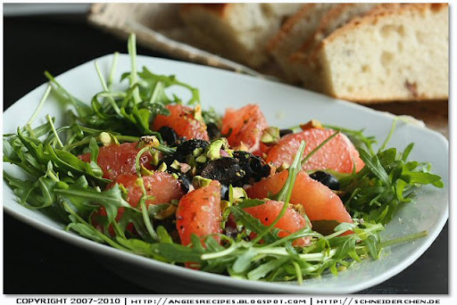 Rocket Salad with Grapefruit and Black Olives
