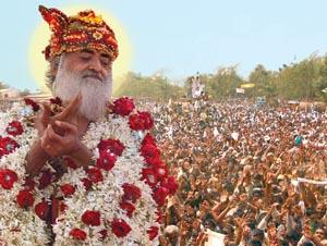 Gurudev Blessing Devotees