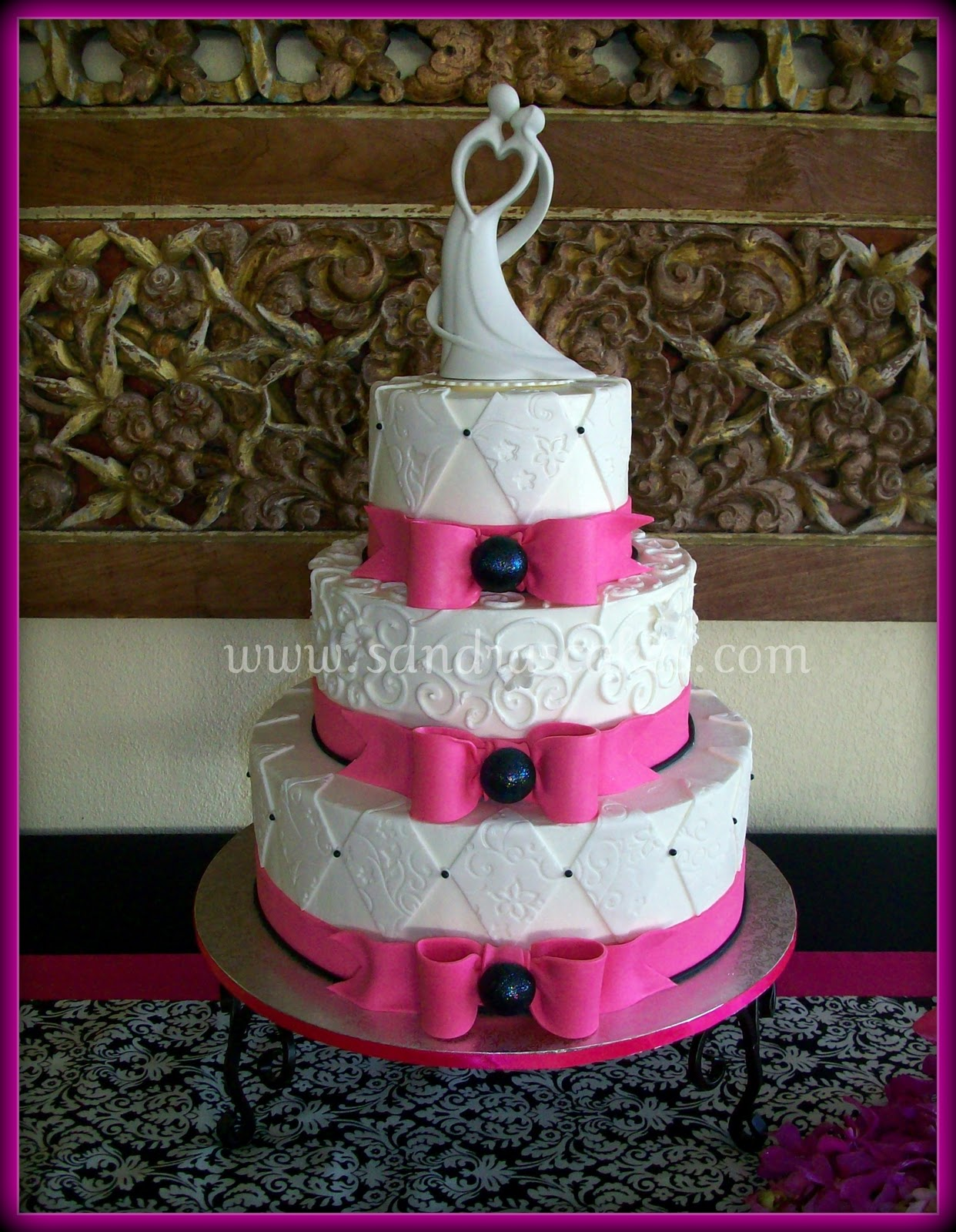 Terrilyn\'s blog: Hot Pink & Black Wedding Cake