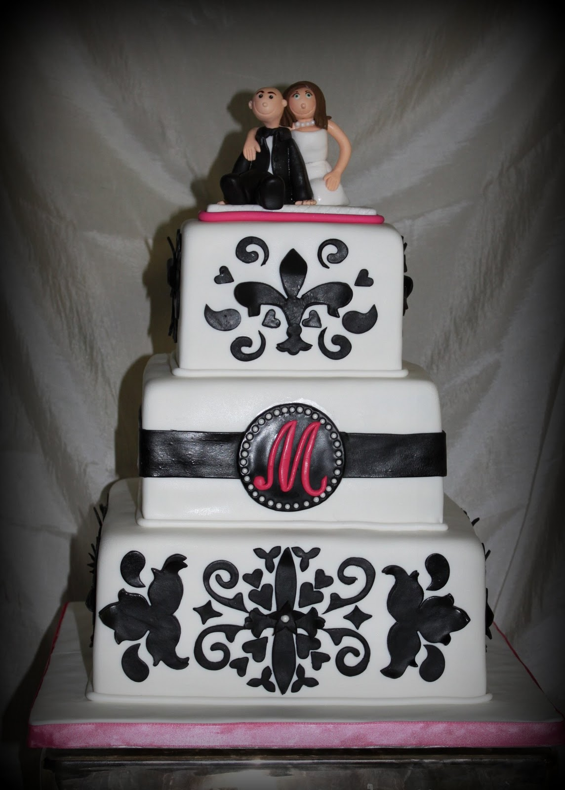 Damask design wedding cake