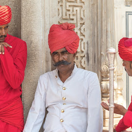 Guards in a discussion by Shourjendra Datta - People Street & Candids ( jaipur, guards, rajasthan, place, city )