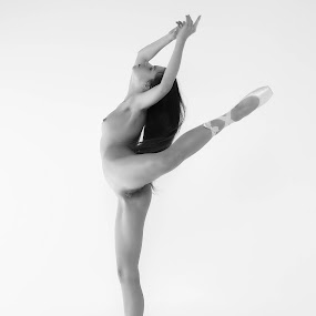Ballet by Carl0s Dennis - Nudes & Boudoir Artistic Nude ( studio, sexy, nude, black and white, female, acrobat, ballet,  )