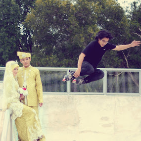 Post wedding at the skatepark by Md Azin - Wedding Bride & Groom