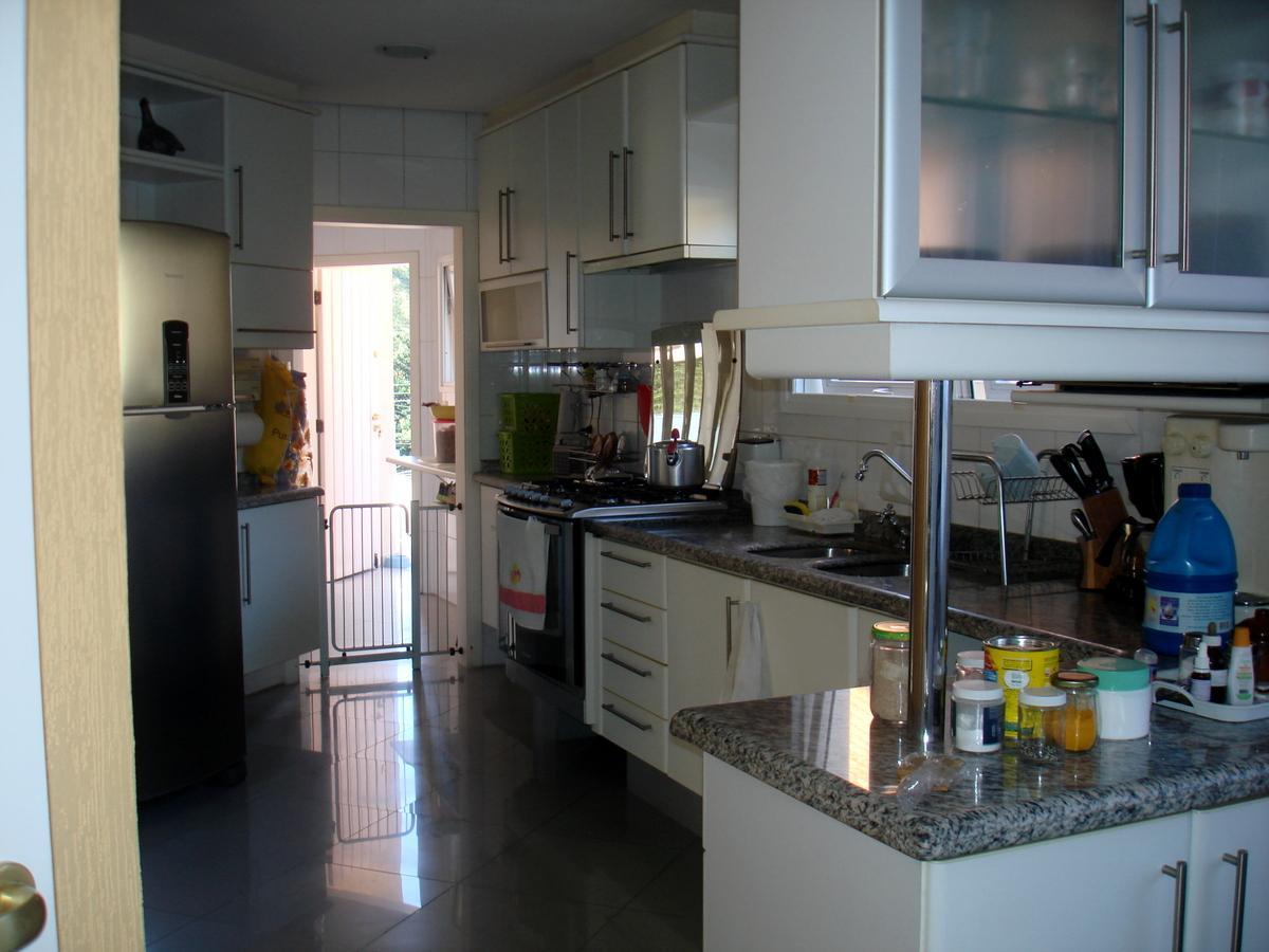 Casa de 4 dormitórios à venda em Parque Dos Príncipes, São Paulo - SP