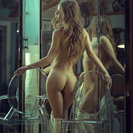 Boudoir by Dmitry Laudin - Nudes & Boudoir Artistic Nude ( figure, nude, girl, boudoir, beautiful, young )