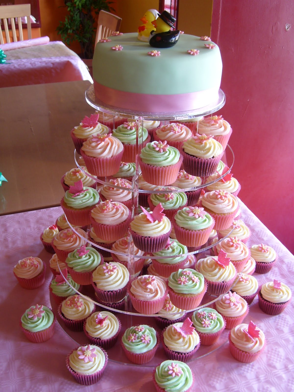 teeny cupcakes: Wedding Cakes