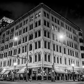 by Giles Perkins - City,  Street & Park  Night