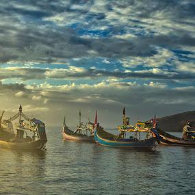 Early morning @ Papuma by Sefanya Dirgagunarsa - Transportation Boats