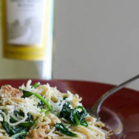 Angel Hair Pasta with Chicken Spinach and White Wine Sauce #SundaySupper
