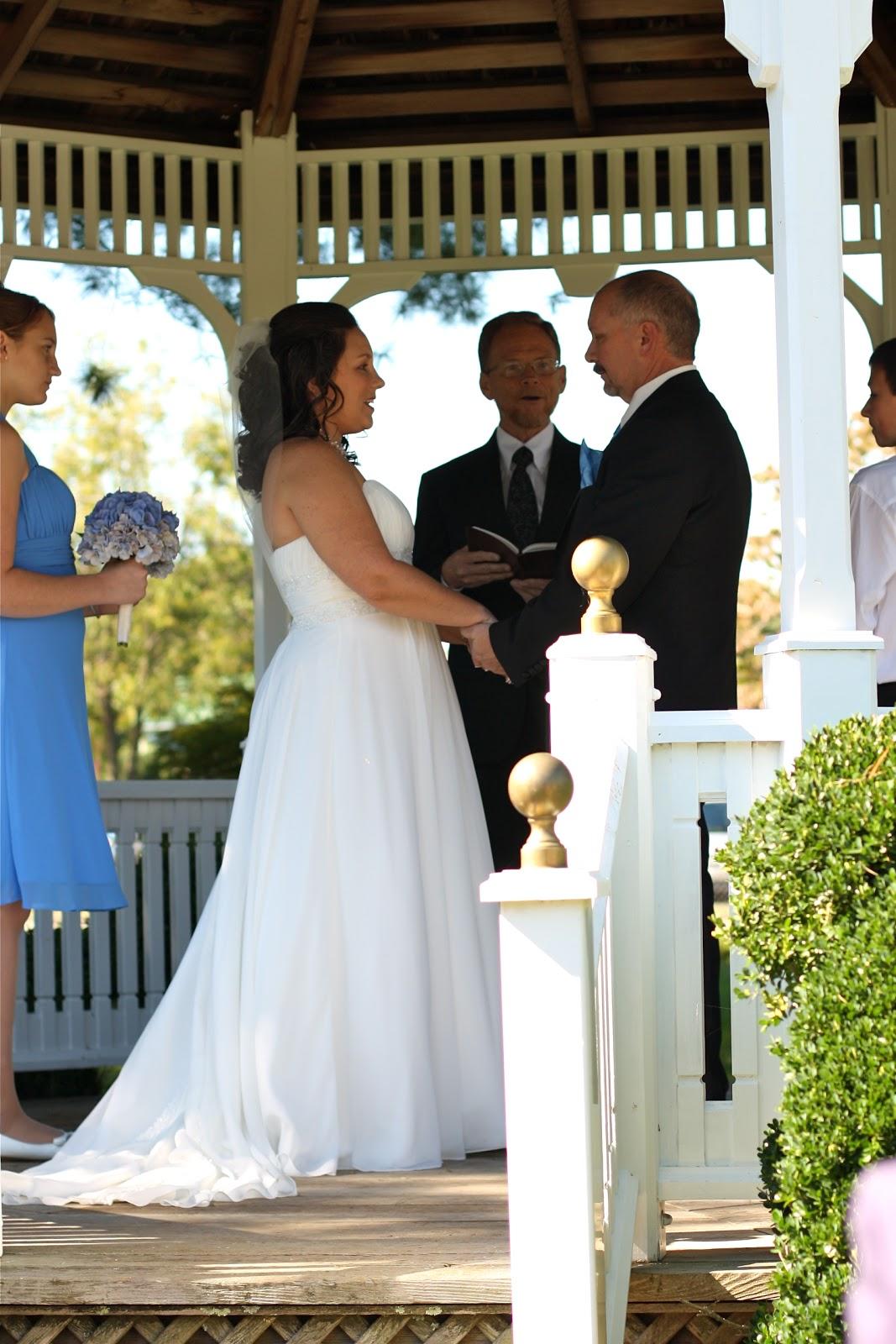 flowy wedding dresses 2011