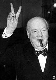 Churchill mit V-Zeichen