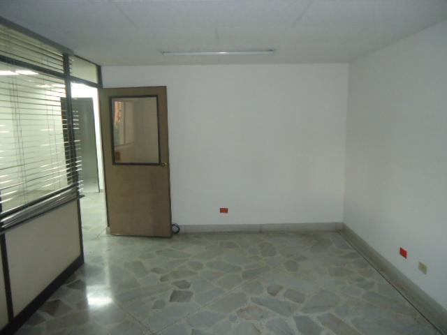 oficinas en arriendo patio bonito 594-16367