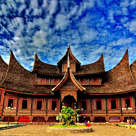 Pagaruyung palace by Sis Jimbo - Buildings & Architecture Public & Historical