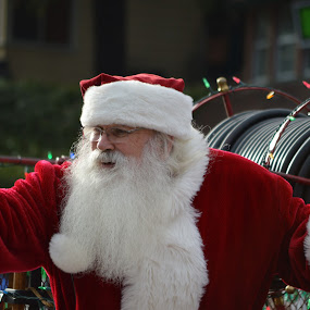 Santa Claus by Steve Keefe - Novices Only Portraits & People ( parade, santa, lake arrowhead, christmas, blue jay )