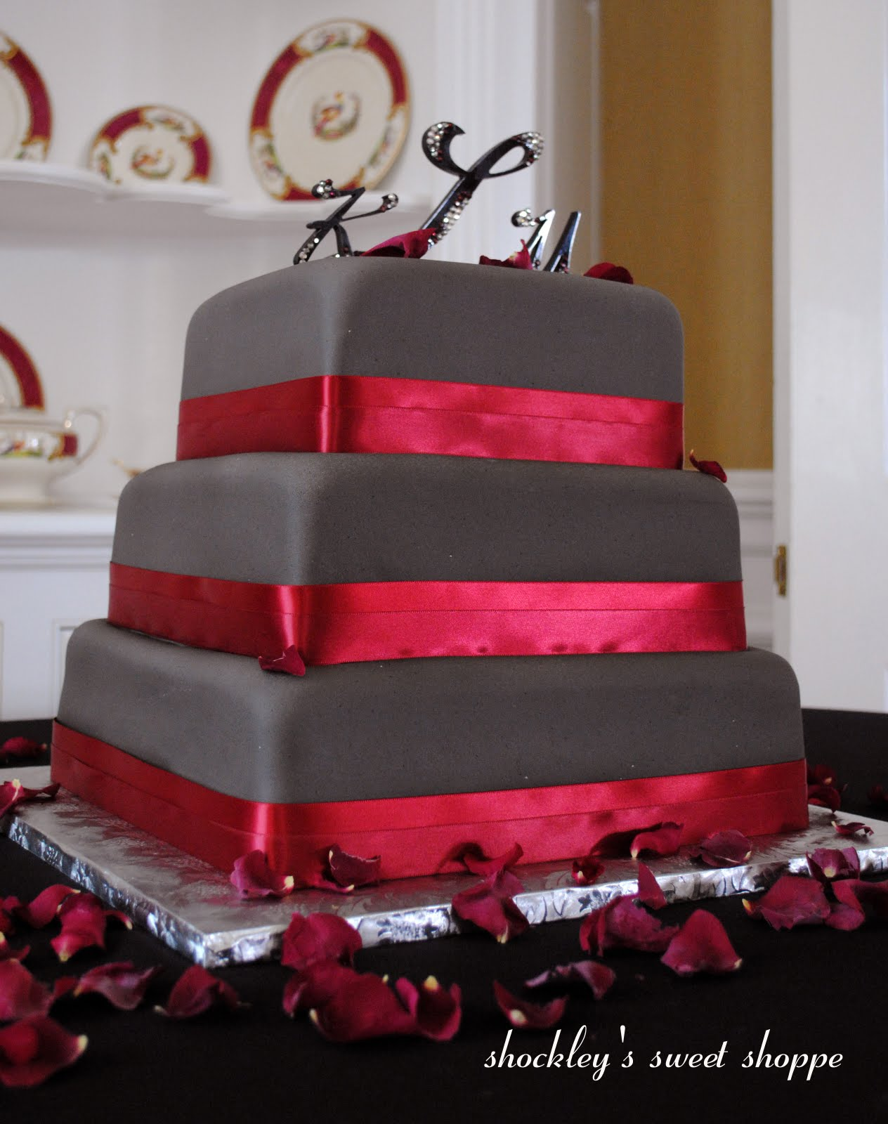 8-10-12 wedding cake