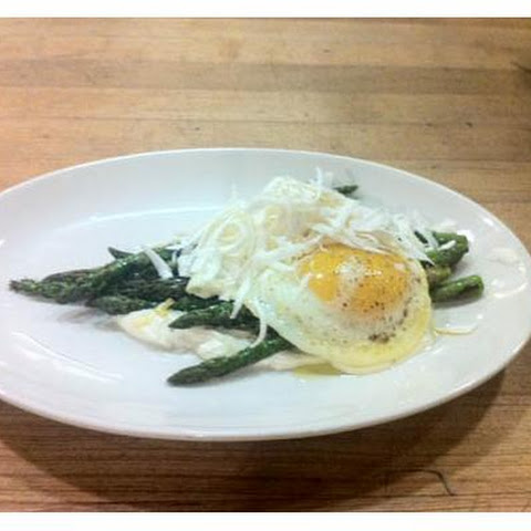 Grilled Asparagus With Fried Egg and Ricotta Salata