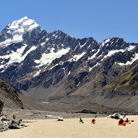 Mount Cook by Tomasz Budziak - Landscapes Mountains & Hills ( mountains, landscapes, new zealand )