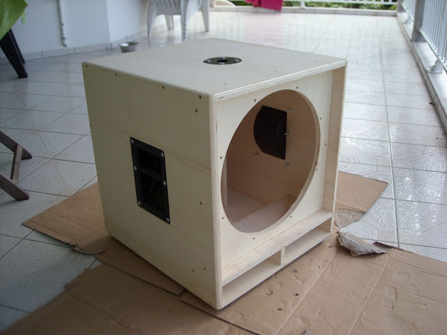 eb nisterie en kit chiltone 18 forum construction d 39 enceintes 3 5 audiofanzine. Black Bedroom Furniture Sets. Home Design Ideas