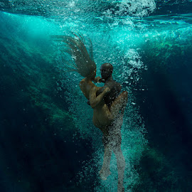 Underwater Dance 4 by Erwin Rybin - Digital Art People ( underwater dance nude people couple )