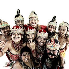 give smile to the world  by Syf Talkie - People Group/Corporate ( traditonal, smile, drama, etnic )